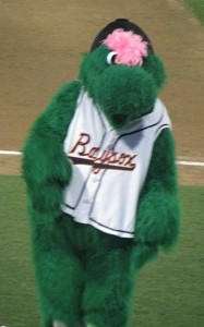 louie baysox mascot