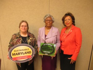 (L to R) Maria Broadbent, Director of DNEP;  Ward 3 Alderman Classie Hoyle; Ward 5 Alderman Shelia Finlayson