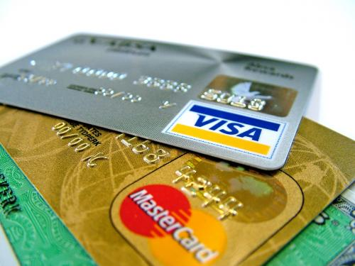 Former Annapolis waiter accepts plea deal in credit card fraud scheme