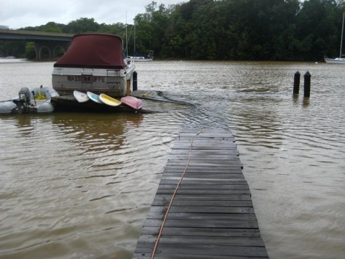 Nicole floods Annapolis Maryland with 7 inches of rain