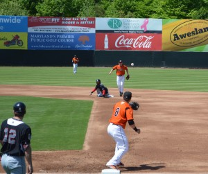 Davies keeps dealing as Baysox beat Thunder