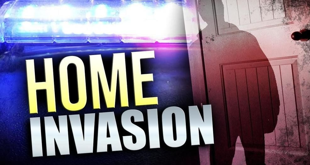 Police searching for two suspects in Severna Park Home invasion and assault